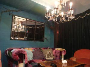 ティモシー・オルトン・バイ・ハローのソファ